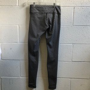 lululemon athletica Pants - Lululemon gray & black pattern full legging sz 4